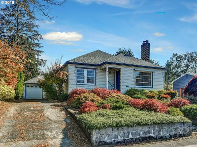 Portland Single Family Home For Sale: 322 NE 73rd Ave