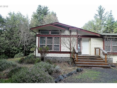 Gold Beach OR Single Family Home For Sale: $400,000