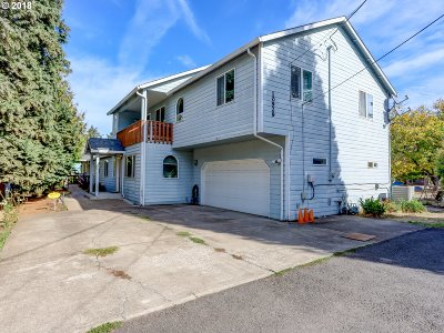 Single Family Home For Sale: 10929 SE Harold St
