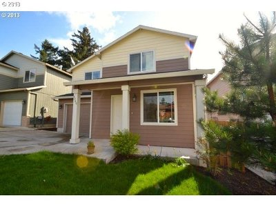 Portland Single Family Home For Sale: 4060 SE 139th Ave