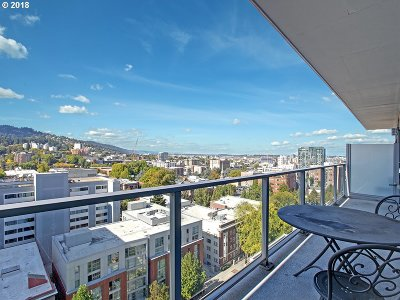Multnomah County Condo/Townhouse For Sale: 1221 SW 10th Ave