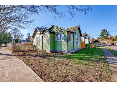 Single Family Home For Sale: 9737 N Charleston Ave