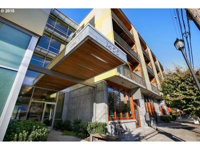 Condo/Townhouse For Sale: 1455 N Killingsworth St #413
