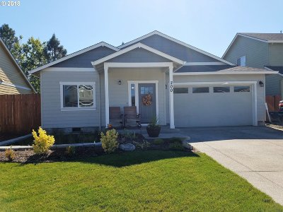 Newberg Single Family Home For Sale: 200 Rentfro Way