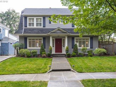 Portland Single Family Home For Sale: 2417 NE Hamblet St