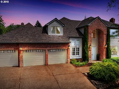 Clackamas County Single Family Home For Sale: 3525 Riverknoll Way