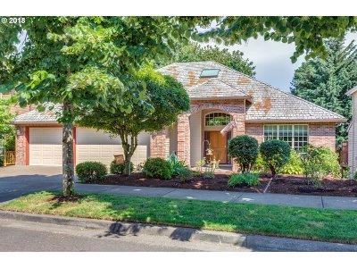 West Linn Single Family Home For Sale: 2722 Beacon Hill Dr
