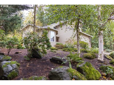 Multnomah County Single Family Home For Sale: 10805 SW 41st Ave