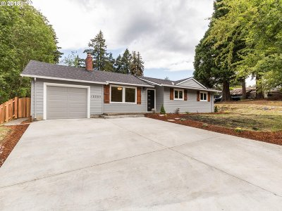 Milwaukie Single Family Home For Sale: 15059 SE River Rd