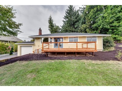 Troutdale Single Family Home For Sale: 30225 NE Hurt Rd