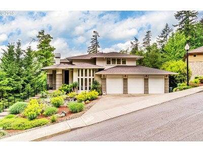 Milwaukie, Clackamas, Happy Valley Single Family Home For Sale: 10301 SE Crescent Ridge Loop
