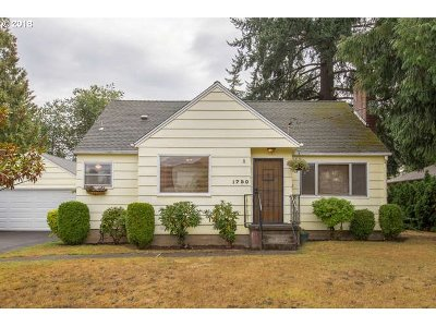 Portland Single Family Home For Sale: 1750 NE 169th Ave