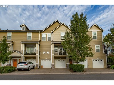 West Linn Condo/Townhouse For Sale: 3460 Summerlinn Dr