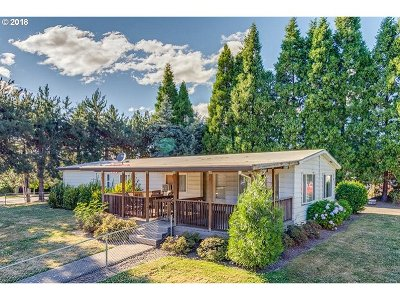 Newberg Single Family Home For Sale: 705 Jeffrey Ct