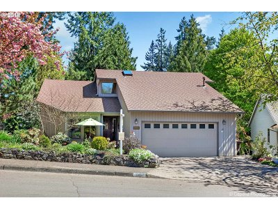 Tigard Single Family Home For Sale: 16440 SW Woodcrest Ave