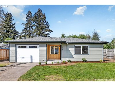 Portland Single Family Home For Sale: 6551 SE 69th Ave
