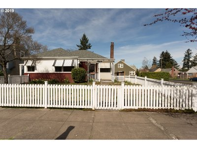 Single Family Home For Sale: 3829 NE Shaver St