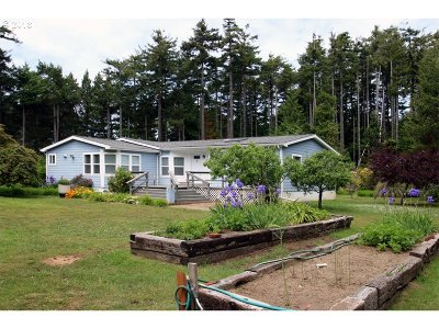 Bandon Single Family Home For Sale: 87253 Boak Ln