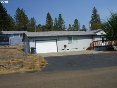 Sutherlin Single Family Home For Sale: 525 W Second Ave