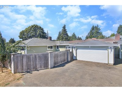 Coos Bay Single Family Home For Sale: 1304 Ocean Ct