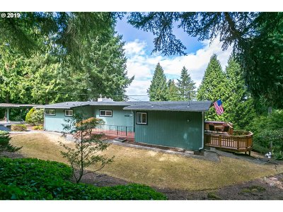 Milwaukie Single Family Home For Sale: 14214 SE Vista Ln