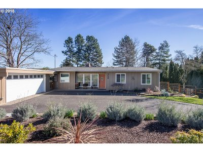 Forest Grove Single Family Home For Sale: 3139 Vista Dr