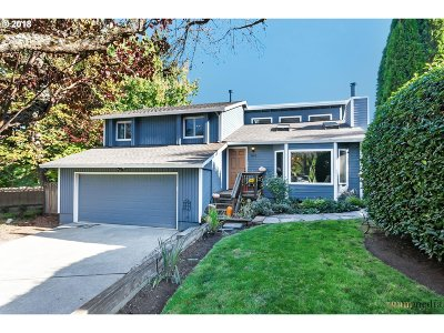 Portland Single Family Home For Sale: 10016 SW 36th Ct