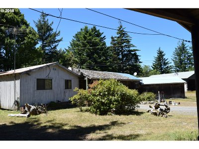 Port Orford Multi Family Home For Sale: 92471 Agate Beach Rd