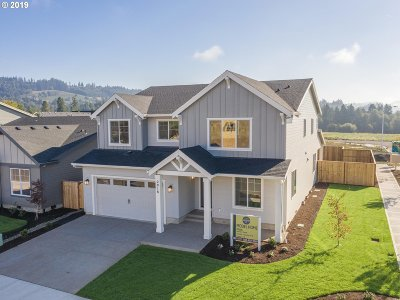 Newberg Single Family Home For Sale: 2918 N Juniper Dr