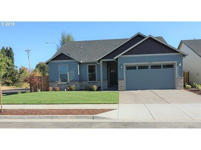 Woodburn Single Family Home For Sale: 1202 Daylily St