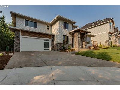 Portland Single Family Home For Sale: 12082 NW Levi Ln