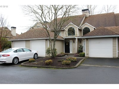 Lake Oswego Condo/Townhouse For Sale: 3986 Carman Dr