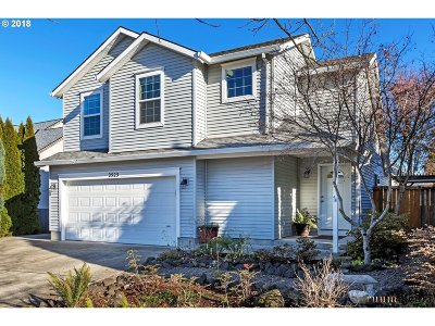 Forest Grove Single Family Home For Sale: 2525 Strasburg Dr