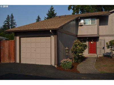 Portland Condo/Townhouse For Sale: 2361 SE 112th Ave