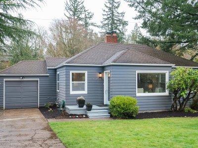 Portland Single Family Home For Sale: 3057 SW Flower Ter