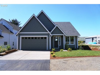 Lincoln City Single Family Home For Sale: 2953 NW Neptune Ave