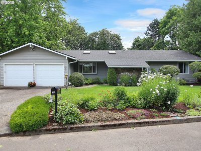 Lake Oswego Single Family Home For Sale: 760 Timberline Dr