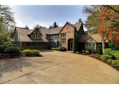 Lake Oswego Single Family Home For Sale: 18151 Westview Dr