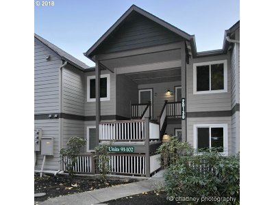 West Linn Condo/Townhouse For Sale: 20130 Larkspur Ln #93