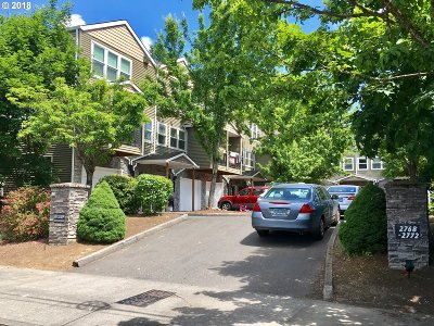 Portland Condo/Townhouse For Sale: 2772 SE 87th Ave #B