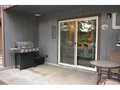 Bend Condo/Townhouse For Sale: 1565 NW Wall St #104