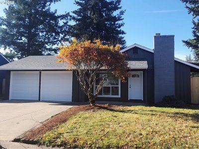 Portland Single Family Home For Sale: 3603 SE 167th Ave