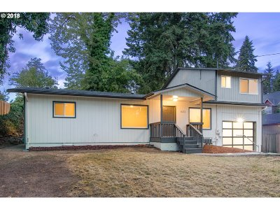 Milwaukie, Clackamas, Happy Valley Single Family Home For Sale: 14313 SE Cedar Ave
