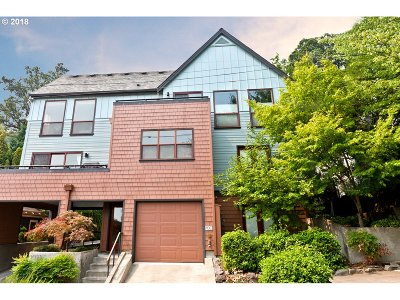 Portland Condo/Townhouse For Sale: 5047 SW View Point Ter #C