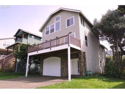 Lincoln City Single Family Home For Sale: 1660 NW 38th St