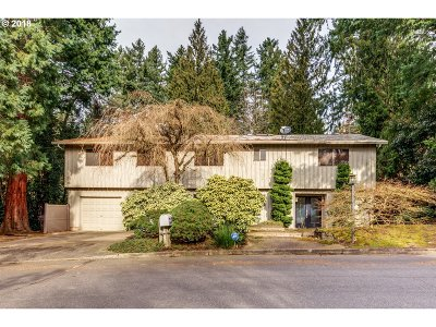 Multnomah County Single Family Home For Sale: 4433 SW Tunnelwood St