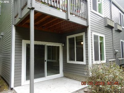 Lake Oswego Condo/Townhouse For Sale: 4615 Lakeview Blvd