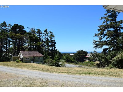 Gold Beach Multi Family Home For Sale: 94281 Harbor View Ln