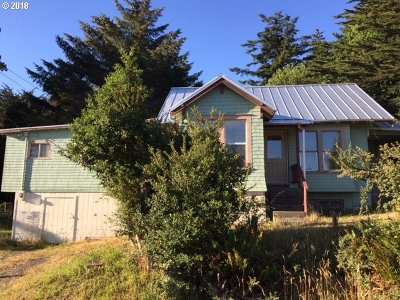Port Orford Single Family Home For Sale: 677 Ninth St