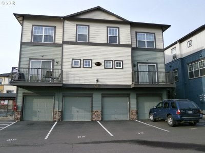 Milwaukie, Clackamas, Happy Valley Condo/Townhouse For Sale: 11230 SE Causey Cir